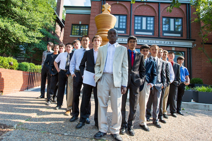 The players for the U.S. Junior Championship pose in front of the World Chess Hall of Fame before the opening ceremony. Photo courtesy www.uschesschamps.com