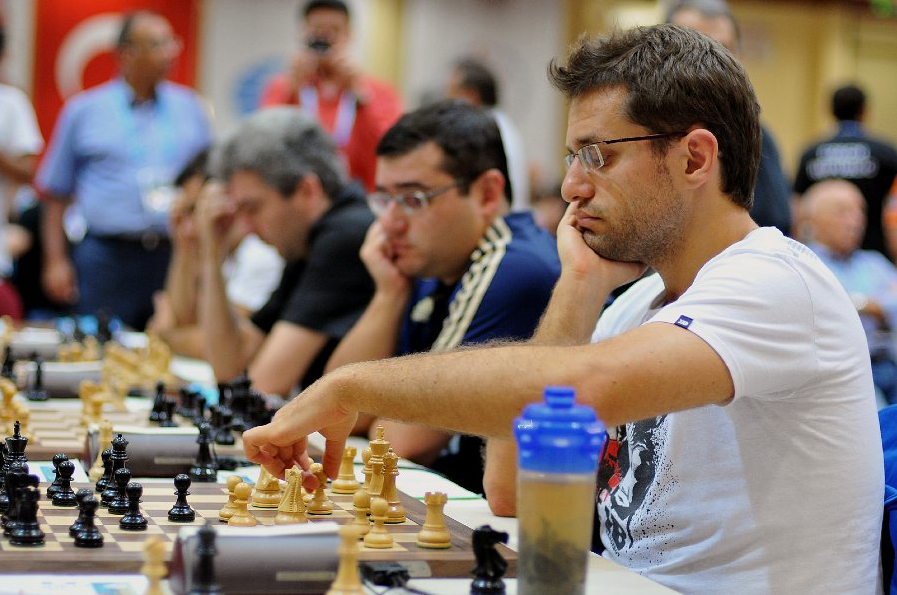 2012 Chess Olympiad Rd8 by Arman Karakhanyan ©