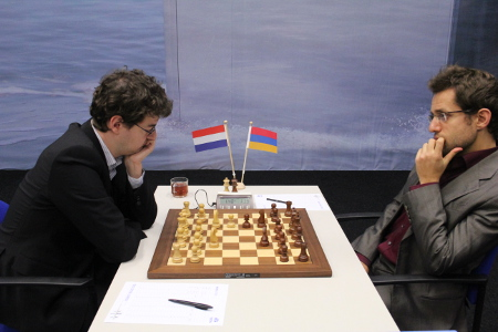 l'Ami vs. Aronian, Day 9, 2013 Tata Steel Chess Tournament, Photo Courtesy Official Website www.tatasteelchess.com